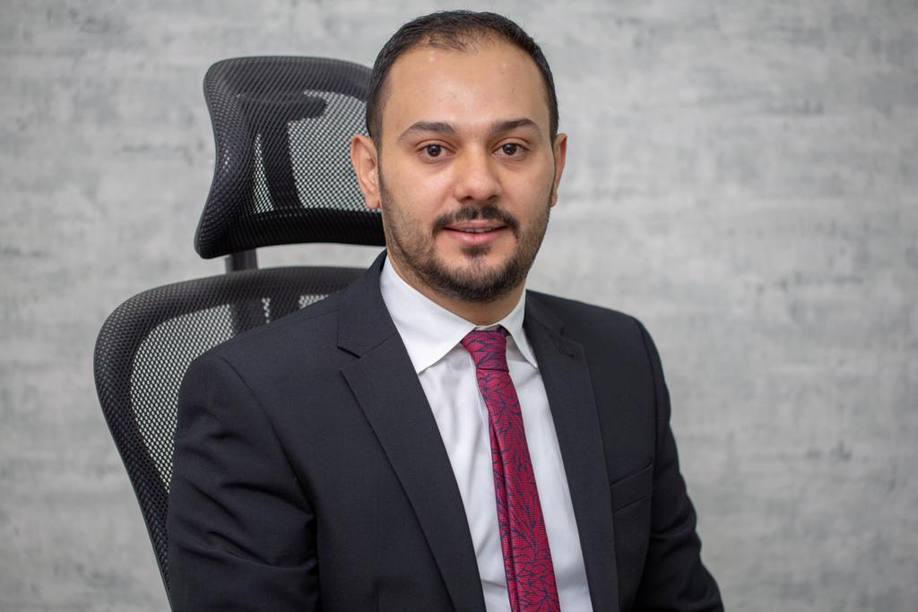 الأستاذ: أحمد خالد عساف